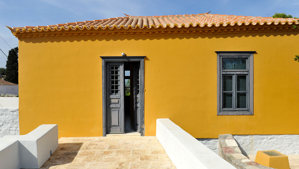 PEFKO HOUSE - HYDRA HOUSES
